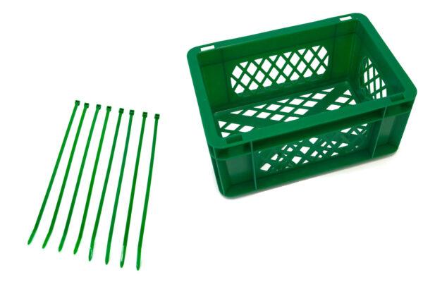 Groene krat met tiewraps